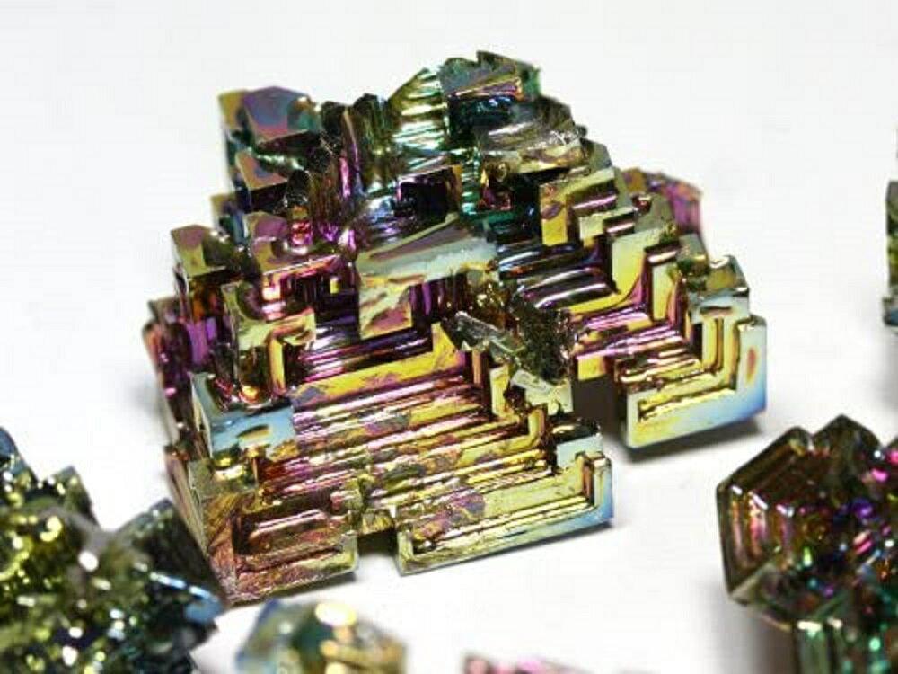 ビスマス結晶 レアメタル 200g 迷宮と階段 結晶 高品質 天国への階段 虹色の金属 ビスマス 虹色 風水 パワーストーン 天然石 原石 贈り物 プレゼント インテリア