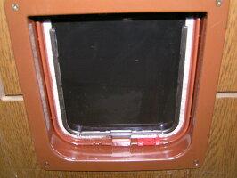 キャットフラップR234猫引戸用茶(トンネル付)背面