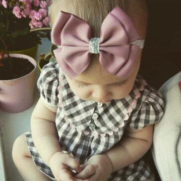 【0-5才】【ドレスに合うヘアバンド】 キラキラ ラメ ベビー リボン ドレス用 ヘアーバンド 髪飾り 赤ちゃん ヘアアクセサリー 子供用 キッズ 女の子 ピンク ワイン