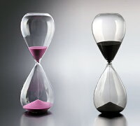 ガラス砂時計30分の桃色と黒色