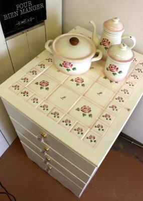 マニーローズのタイルが素敵なドロワーズマニーローズタイルの家具 4段チェスト(W50xD60cm)