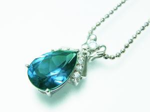 アレキサンドライトは当たる光によって石の色が変化する不思議な宝石です5.4カラット アレキサ...