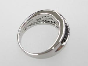 K18WGホワイトゴールドダイヤモンド/ブラックダイヤモンドリング