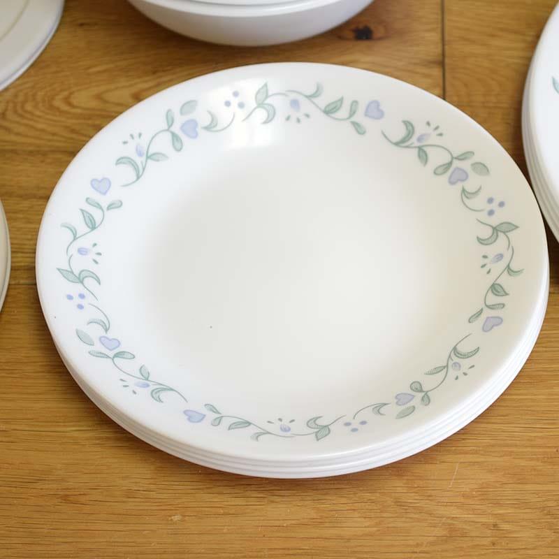 コレール ディナーウェア 4人用 20点セット カントリー コテージ 花柄 Corelle 20 Piece Livingware Dinnerware Set with Storage,Country Cottage, Service for 4