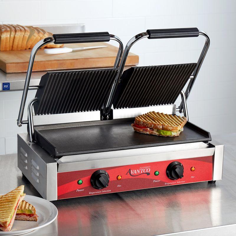 業務用厨房機器, 業務用グリラー  3500W Avantco P88SG Double Commercial Panini Sandwich Grill with Grooved Top and Smooth Bottom Plates
