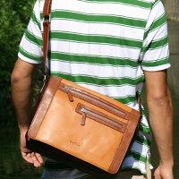 グローブレザーのメッセンジャーバッグ