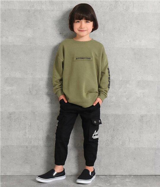 ブラック(120サイズ着用/身長:約116cm)