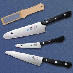 マック包丁セットは堺の和包丁の技術を生かして作られた洋包丁です。