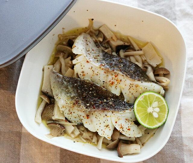 レンジで簡単おかず「白身魚のきのこ蒸し」