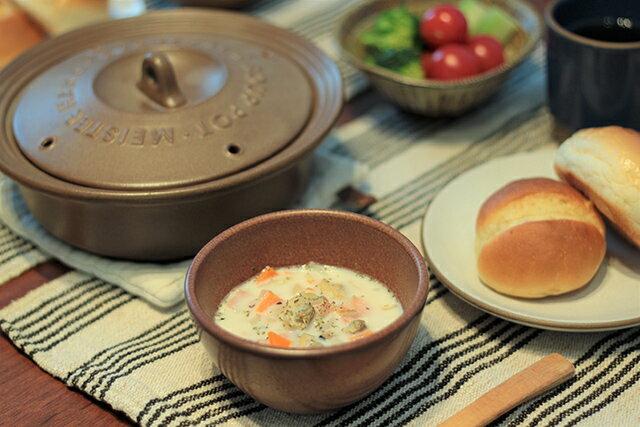 寒い朝にもピッタリ!エブリデイスープポット&レンジで作る「クラムチャウダー風スープ」