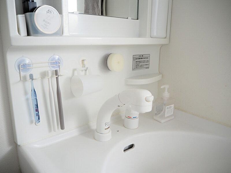 使っているときも、使っていないときも。きれいが続く「マーナの洗面スポンジ」