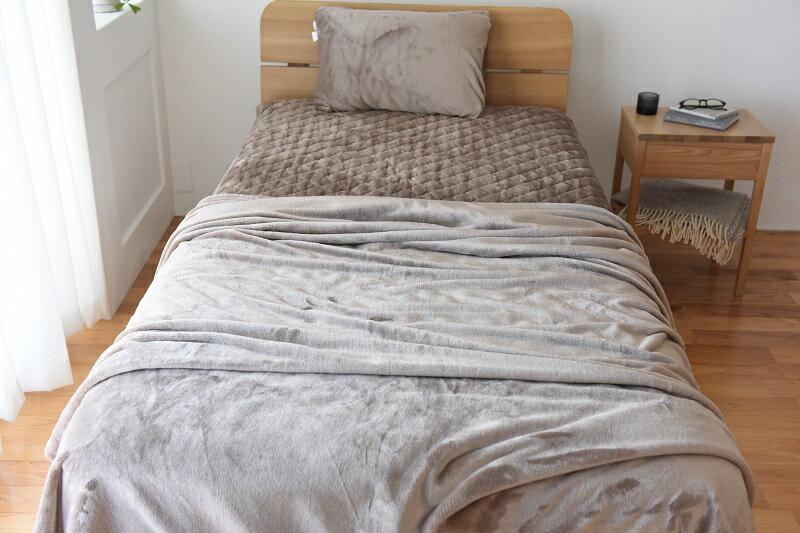 シリーズ累計30万枚突破!伝説の「#朝ベッドから出られなくなる毛布」が今年も登場しました