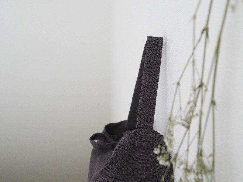 ティッシュケースを置く場所がなくても大丈夫。狭い場所や隙間にも吊るせるティッシュケース