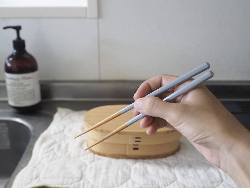 小さな手でも持ちやすい、はじめての箸にぴったりなbon momentのこども箸
