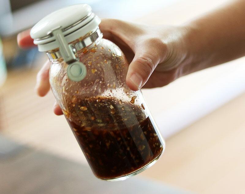 ワンプッシュ瓶で常備!日々の料理の時短が叶う「万能ダレ」を作ろう