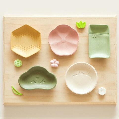 和菓子みたいな色と形の寿小皿