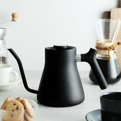お茶やコーヒーを最適な温度で淹れられる!温度計つきでスタイリッシュなフェロー社のケトル