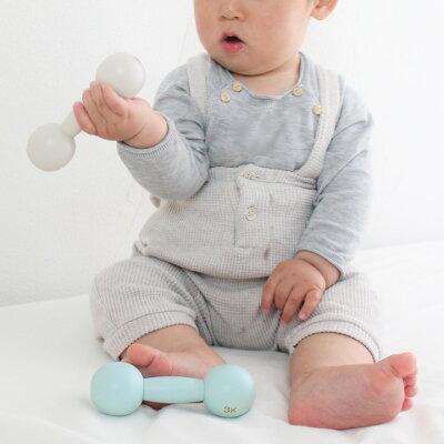 赤子に手をひねられる!?赤ちゃんのためのダンベル…?