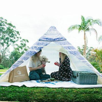 女性だけでも1~2分で組み立て&片付けできちゃう!オーストラリアからやってきた柄もおしゃれな簡易テント