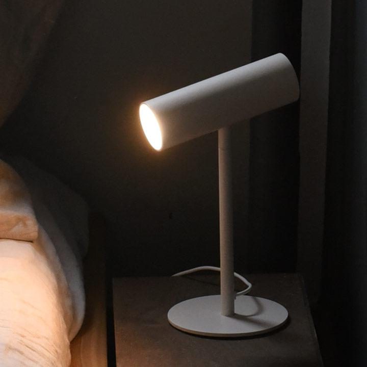±0 LEDスタンドライト/プラマイゼロ