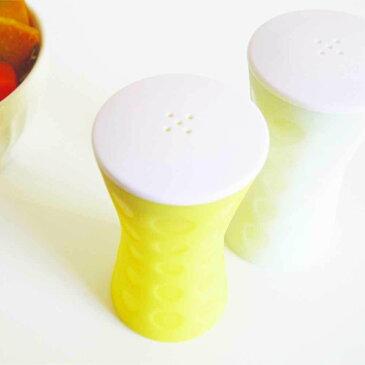 調味料が固まったら容器を握ってもとどおり spiceshaker シリコン製 air 2カラー 【10P03Sep16】