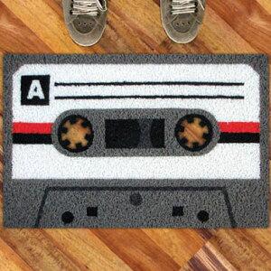 ★10%OFFクーポン配布中★ 27日(金)14:59まで!カセットテープ A ドアマット 【カセット テー...