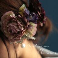 重なり合った花びらが華やかに彩る。『お花itemをひとつ、コサージュで高める女の子らしさ。』一目惚れに落ちる小さな存在。フラワーコサージュ##