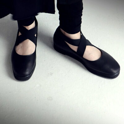 パンプス 歩きやすい 痛くない レディース 本革 日本製 ストラップ 厚底 プラットフォーム 脱げない ゴア クロス ブラック 大きいサイズ 靴 くつ