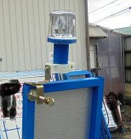 ソーラー式LED工事保安灯点滅灯ソーラークリスタル赤/青(取付金具付)