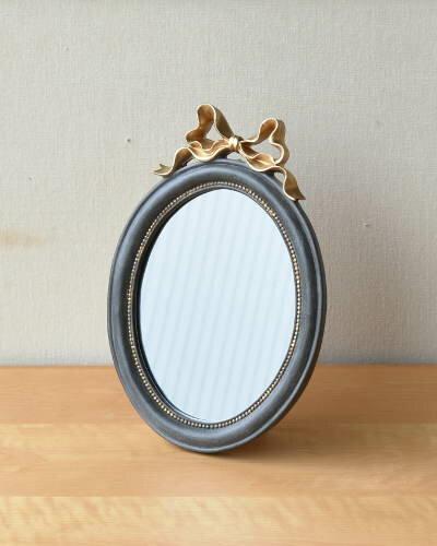 アンティークゴールドのリボンが可愛いスタンドミラー(壁掛け可) 鏡 ウォール シャビーシック 輸入 お洒落 インテリア 楕円形 飾り エレガント
