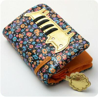 ツモリチサト 財布お花畑に迷い込んだ猫がキュートなお財布です。ツモリチサト 財布花花ネコ...