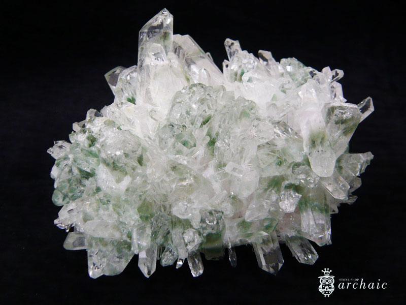 グリーンファントム水晶のクラスター:ストーンショップ アルカイック