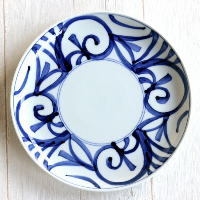 和食器 おしゃれ かわいい 有田焼 波佐見焼 大きめのお皿 とべ唐草 23cm プレート