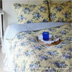 春や夏にぴったりのさわかなイエロー地にブルーローズが上品です。クイーンのベッドカバー(ベッ...