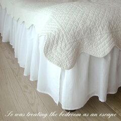 【サマーセール】清潔感のあるホワイトフリルがエレガントなベッドスカートです。ダブルベッド...
