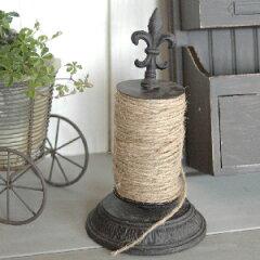 鉄製の糸巻き(ボビン)です。インテリアとして、ガーデニング用としてもおすすめの、アンティー...