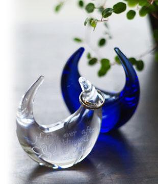 さとうガラス工房『ガラスのリングピロー(ツインハート柄)』