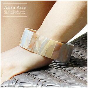 ◆天然シェルの素材の良さを生かしたアジアンアクセサリー光の反射で表情を変える天然シェルの...