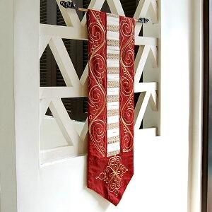 バリ島の人気アジアン雑貨ゴールドの刺繍と鮮やかなえんじ色が目を引くアジアンタペストリー[10...