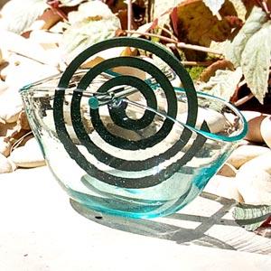 蚊取り線香を焚くならバリ島のヴィラで見つけた人気のアジアン雑貨 ガラスで出来た丸いフォル...