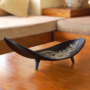 ヤシの葉をそのまま生かしたデザインが新鮮なバリ島の人気アジアン雑貨オリエンタル模様が描か...
