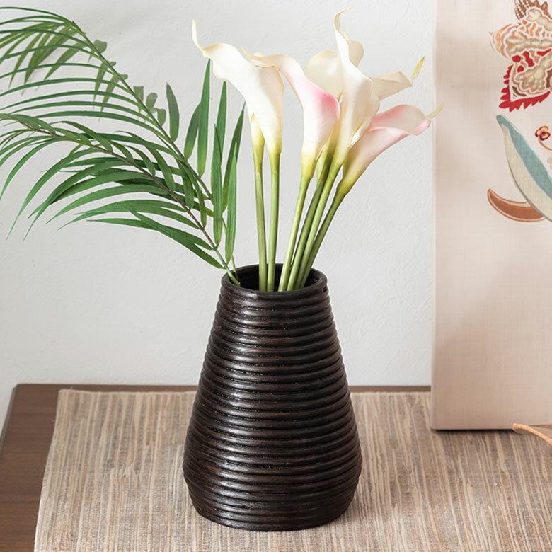 ぐるぐるラタンの造花フラワーベース(円錐型)(12661)【花瓶 花器 バスケット インテリア モダン バリ雑貨 アジアン雑貨 かびん おしゃれ 割れない 玄関 飾り オブジェ アジアンインテリア ラタン エスニック 壷 バリ島】
