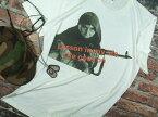 マシンガンお婆Tシャツ【サイズ:S 、M 、L 、XL 】【5000円以上で】送料無料 Tシャツ メンズ 大きいサイズ 半袖 戦う女Tシャツ 女性兵士Tシャツ マシンガンお婆Tシャツ 内戦自衛武装お婆Tシャツ 無料ラッピング