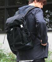 【バックパックリュック】背面クッションPUレザーナイロンフラップバックパックアウトドアリュックサックデイパック鞄大容量メンズ男性レディース女性ユニセックス【楽ギフ_包装】