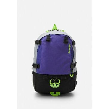 アディダスオリジナルス メンズ バックパック・リュックサック バッグ BACKPACK UNISEX - Rucksack - halo silver/purple/signal green