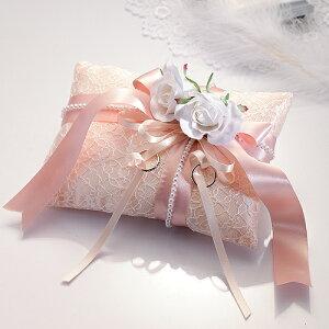 結婚式のリングピロー