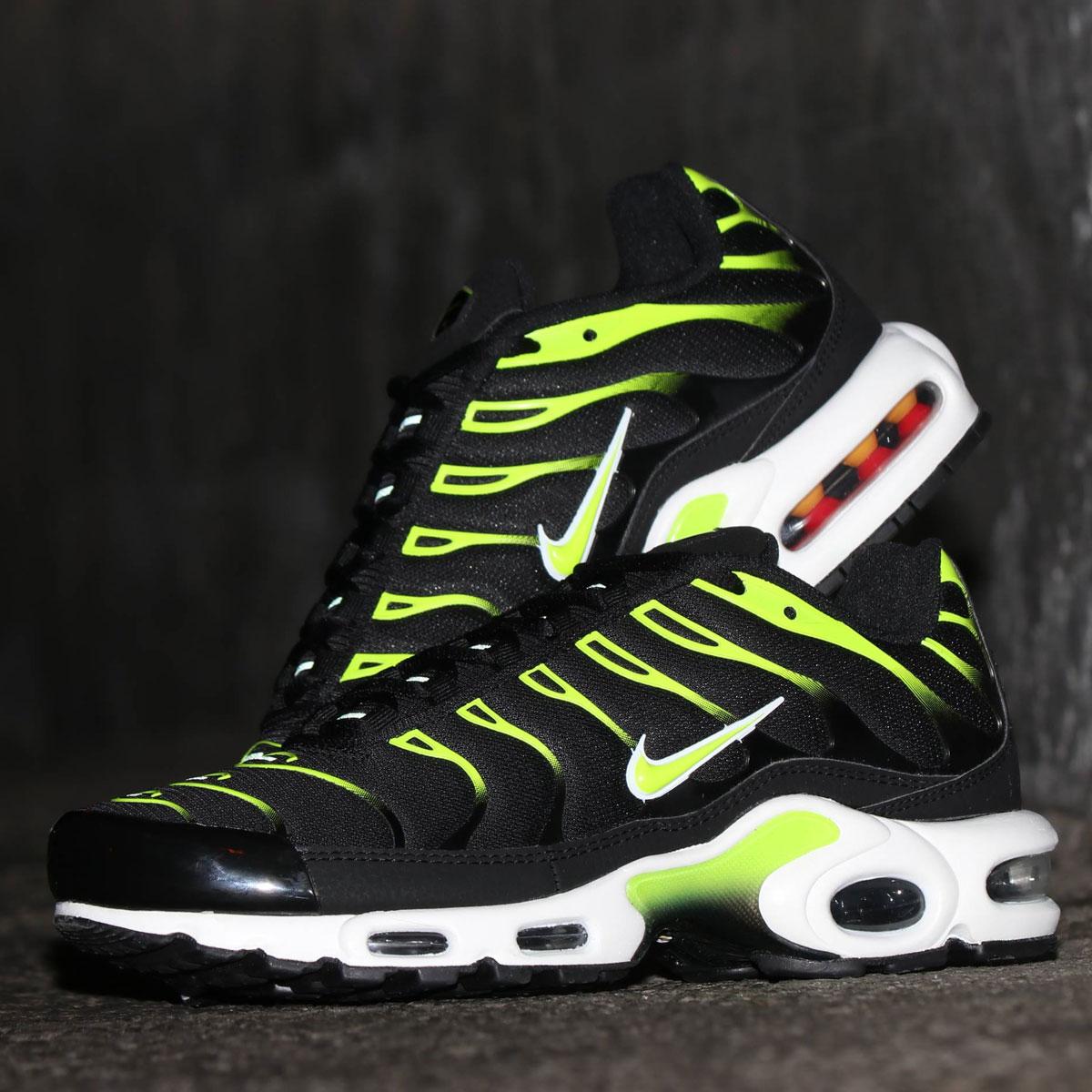 メンズ靴, スニーカー NIKE AIR MAX PLUS( )BLACKVOLT-WHITE-PLATINUM TINT 19SP-I at20-c