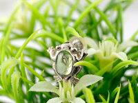 【送料無料】カエルピアスペリドット蛙スタッドピアスホワイトゴールドk188月誕生石18金天然石