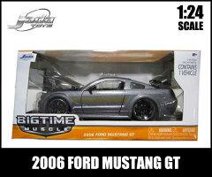 1:24箱入りダイキャストミニカー【2006FORDMUSTANGGTガンメタリック】2006年フォードマスタングアメ車【JadaToys】