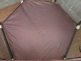 【中古】ソフトベビーサークル六角形ブラウン水玉布張りメッシュシート付ゲート付き6枚軽量茶洗濯可コンパクト収納ベビーフェンスプレイサークル